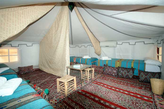 4-bed tent with privacy partition